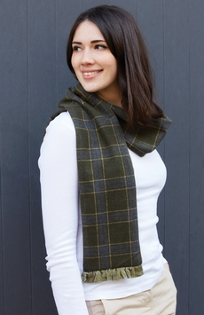 Tweed scarf with jersey reverse and velvet trim