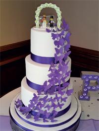 A cake that cuts it