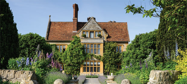 Win an overnight stay and dinner at Belmond Le Manoir aux Quat'Saisons worth £1,045