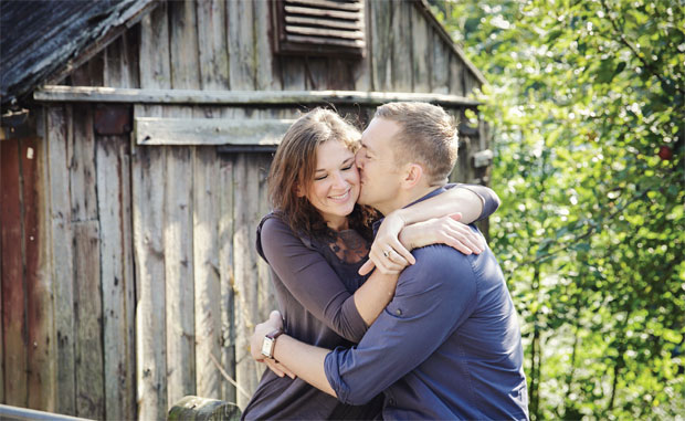 Win an engagement shoot complete with hair, make-up, champagne and afternoon tea worth £750