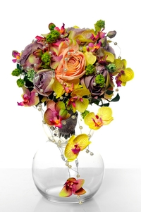 How to make a bouquet centrepiece for summer