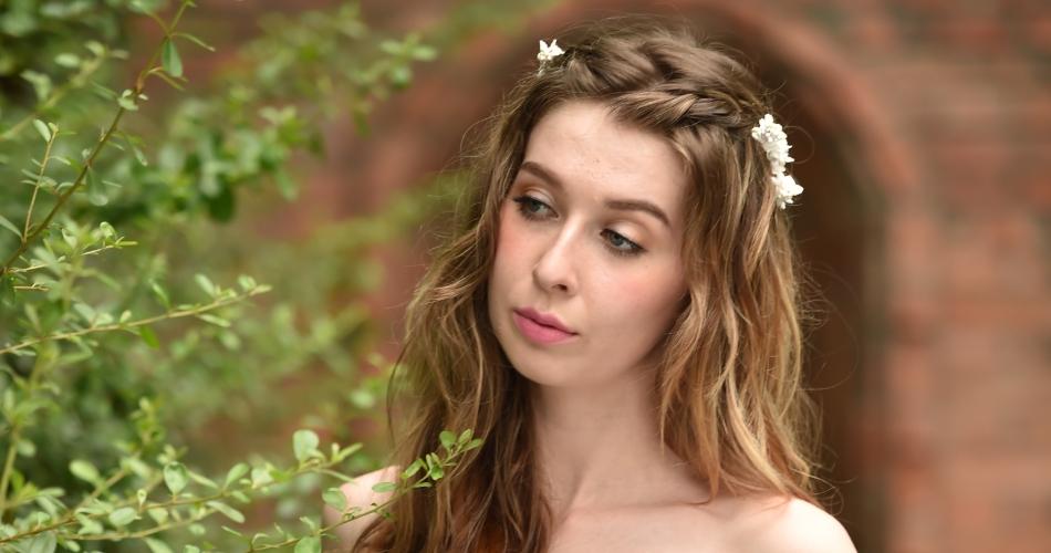 Image 1: Lara James Make-up
