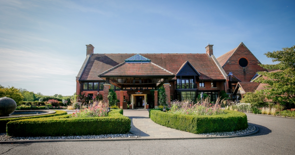 Image 1: London Golf Club