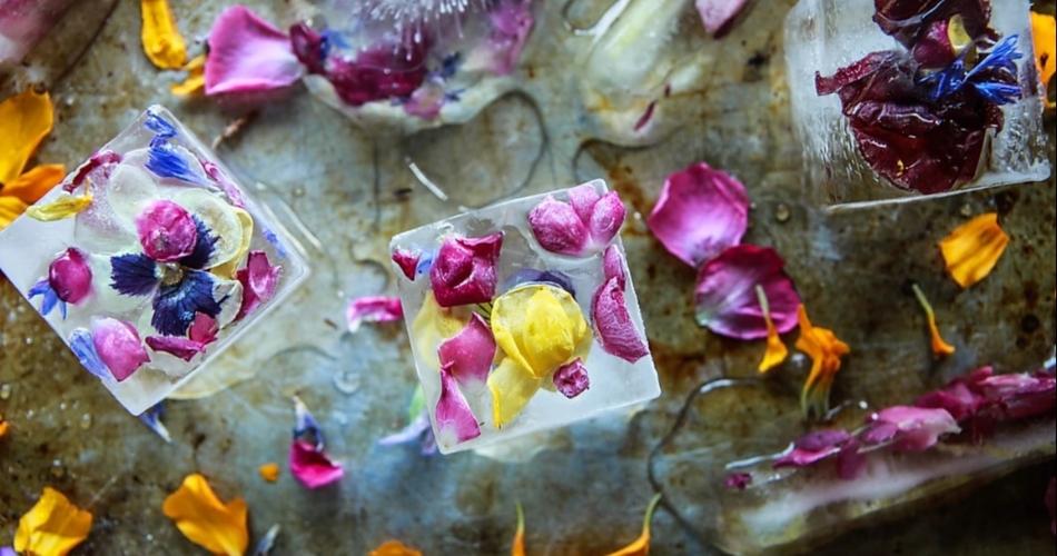 Image 1: Flower Mobile Bar