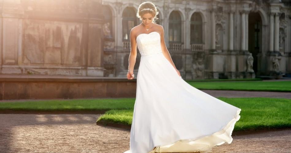Image 1: The Bridal Hall