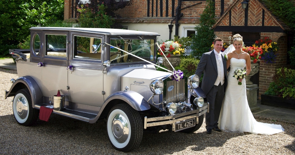 Image 1: Vintage Dreams Wedding Cars