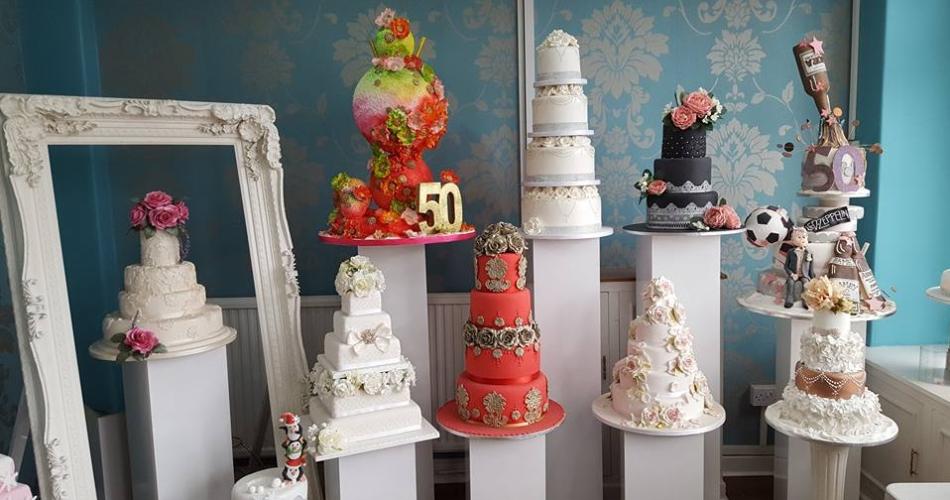 Image 1: Elaine's Creative Cakes