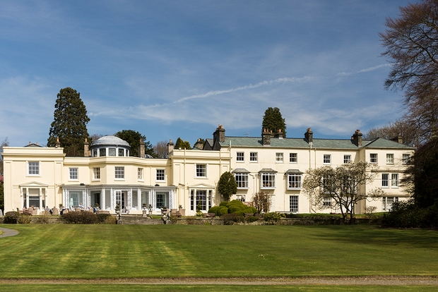 Enjoy a romantic mini-moon at Storrs Hall with three nights for the price of two