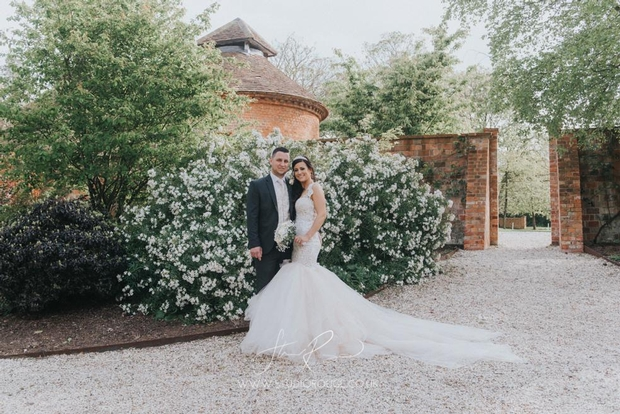 Serious offers on spring weddings from top Berkshire  venue