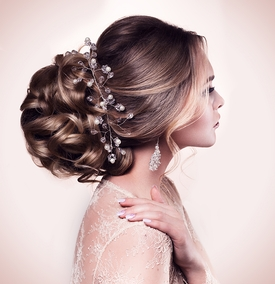 What are the top bridal hair trends?