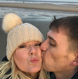 Help Kelly and Dave have their dream wedding