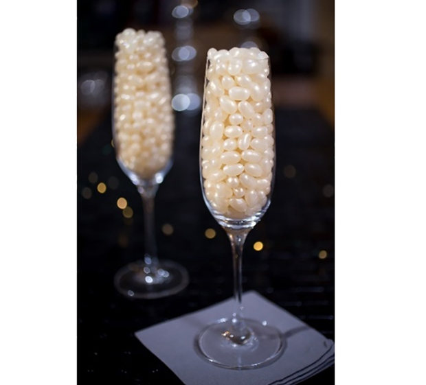 Give your wedding favours extra sparkle