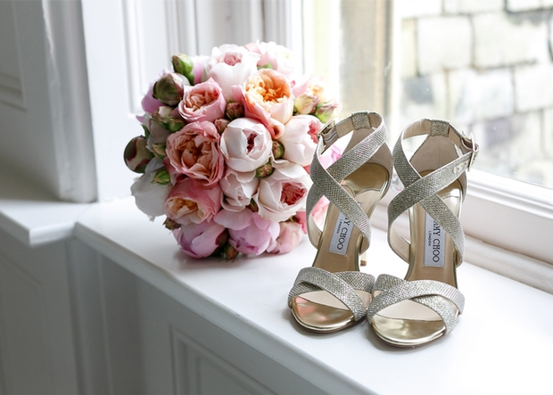 Regional venue offers Jimmy Choo gift card to couples who tie the knot in there