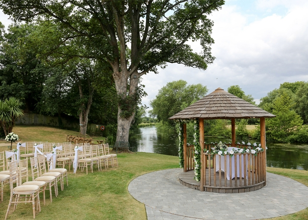 The Legacy Rose & Crown Hotel in Salisbury, Wiltshire has been granted a licence to hold civil ceremonies in its charming garden pavilion, the Belvedere
