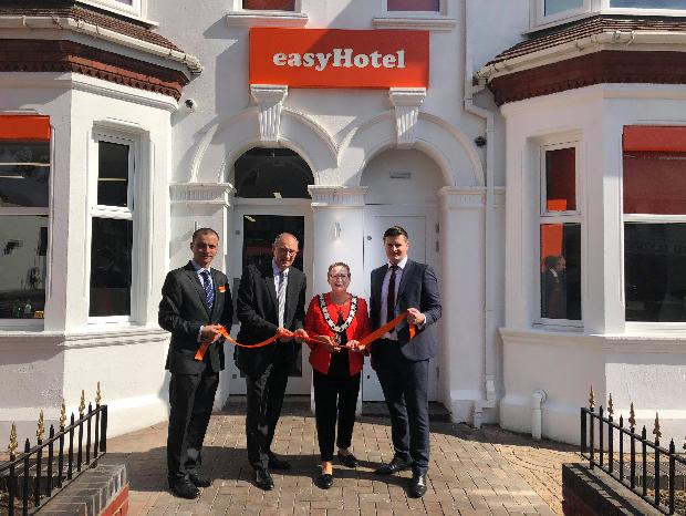 Reading easyHotel now open for extra wedding guest accommodation