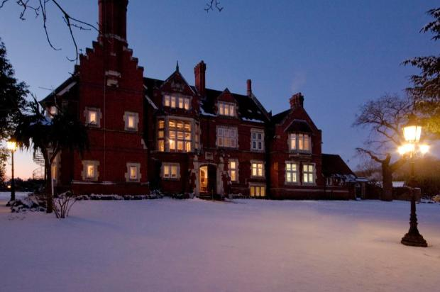 Bristol's Berwick Lodge makes the perfect winter wedding venue