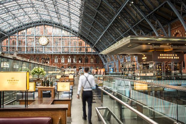 'Tis is the season to propose! Pop the question in style at St Pancras Champagne Bar
