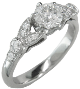 Opt for a royal ring for your engagement
