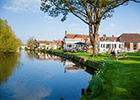 The Rose & Crown Hotel in Salisbury, Wiltshire, offers romantic location for a marriage proposal