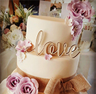Louise Rowley from Elegant Cake Designs by Lou reveals how you can incorporate the season into your big-day cake