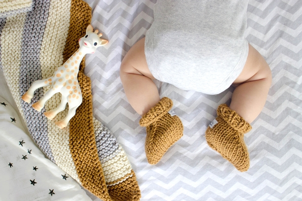 Sophie la girafe launches its first knitting kit for all knitting lovers