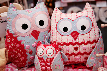 Creative Stitches & Hobbycrafts partners with Prima and Woman's Weekly