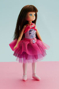 Arklu launches new British fashion doll Lottie