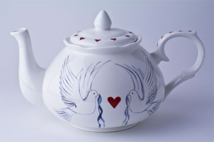 Gabriella Shaw Ceramics launches new Dove and Hearts range