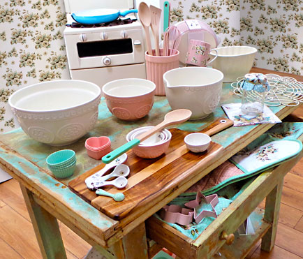 Creative Tops introduces the new Katie Alice Make It or Bake It vintage baking range