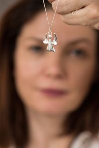 Shropshire jeweller's Christmas gift to hospice