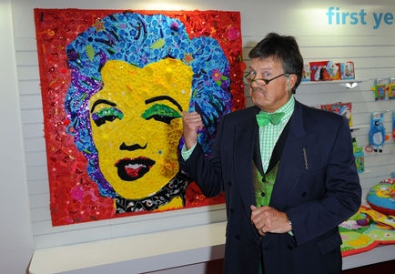 Mosaic masterpiece auction at Toy Fair