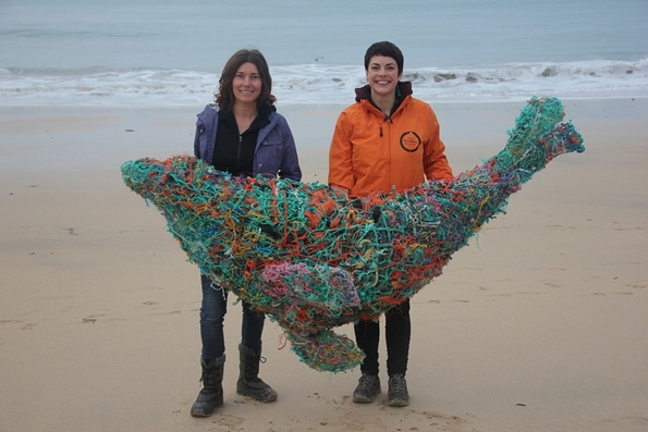 Artist creates sculptures to promote ocean protection campaign