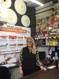 Decorating expert presenting on craft TV shopping