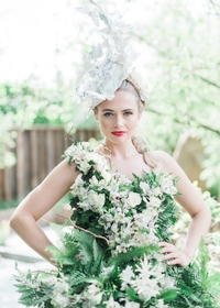 A tribute to fashion and flowers