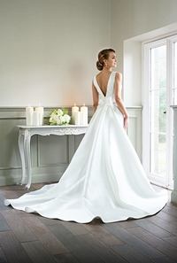 Catherine Parry joins the line-up of bridal labels exhibiting at The Bridal Roadshow in August