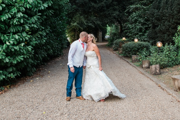 Real weddings that have taken place in kent real love marie cranstoun and lee kitchener enjoyed a memorable big day with friends and family at knowle country house read more junglespirit Gallery