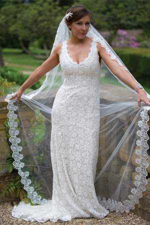 Lovely in lace: Image 2b