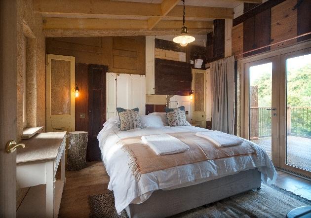bedroom in tree house