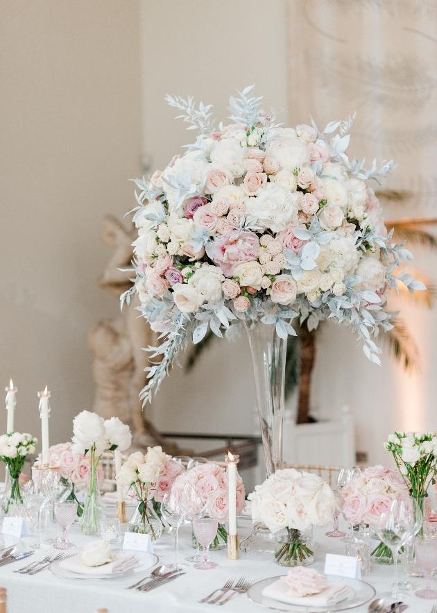 table arrangements in pastel hues