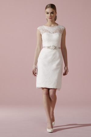 That little white dress: Image 1b