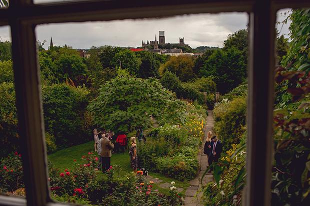 English country garden: Image 2