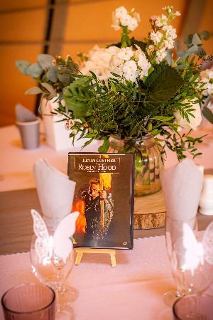 Whimsical woodland wedding: Image 10a