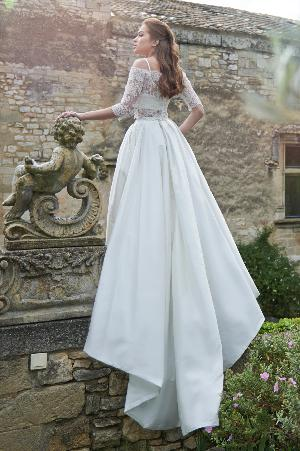 Dramatic dresses: Image 1b