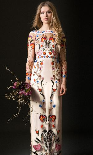 Dramatic dresses: Image 3a