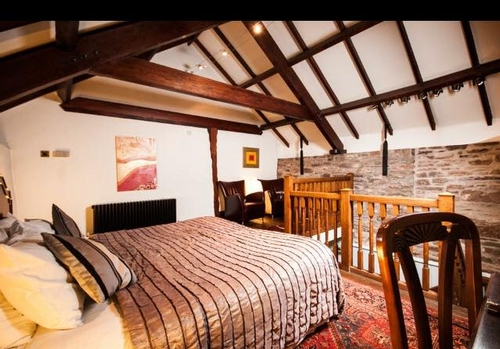 Guest Accommodation - Peterstone Court Hotel