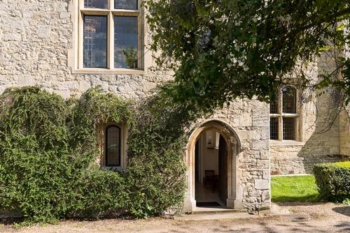 Bijou Wedding Venues - Notley Abbey