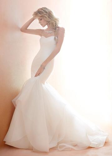 Tara Keely, Blush by Hayley Paige, Ti adora