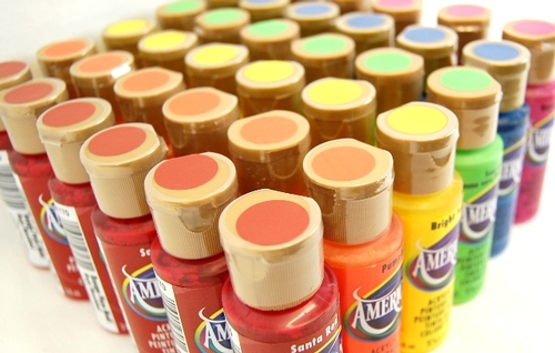 Craft paints, finishes, effects, sealers & varnishes