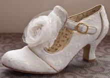 Accessories - Curves & Couture Bridal Boutique