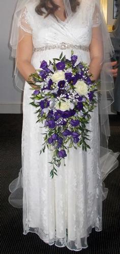 Flowers & Bouquets - Petals & Confetti